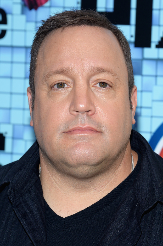 Kevin James in 'Pixels' New York Premiere - Outside ...