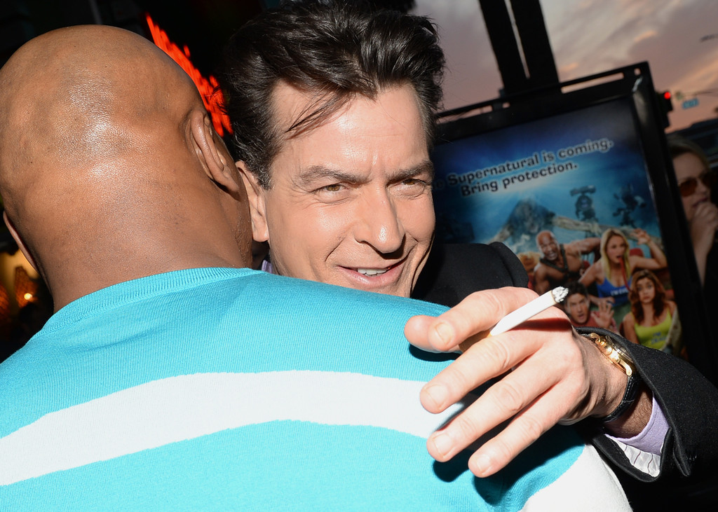 Mike Tyson Charlie Sheen Mike Tyson And Charlie Sheen Photos Arrivals At The Scary Movie 5 Premiere Zimbio