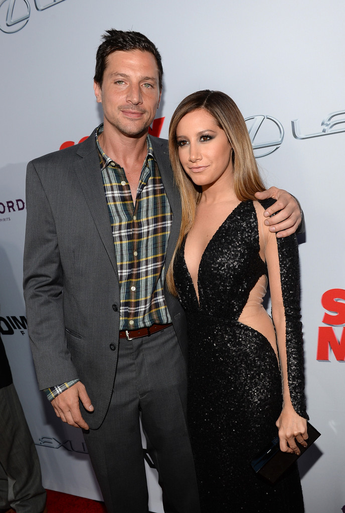 simon rex dating ashley tisdale Now that the world knows how supremely talented both miley cyrus and ashley tisdale simon rex talks scary movie 5 audrina patridge & ryan cabrera are dating.