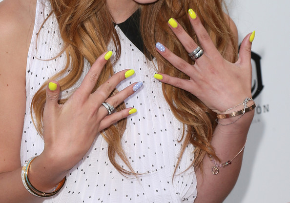 Would You Ever Wear Bella Thorne's Neon and Pastel Manicure?