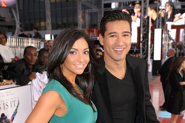 """Mario Lopez Premiere Of Sony Pictures' """"This Is It"""" - Arrivals"""
