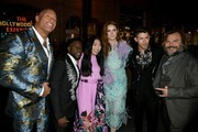 Dwayne Johnson Karen Gillan Photos Photo