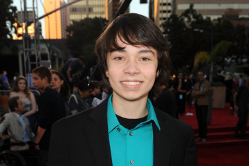 "Noah Ringer Premiere Of Universal Pictures ""Cowboys & Aliens"" - Red Carpet"