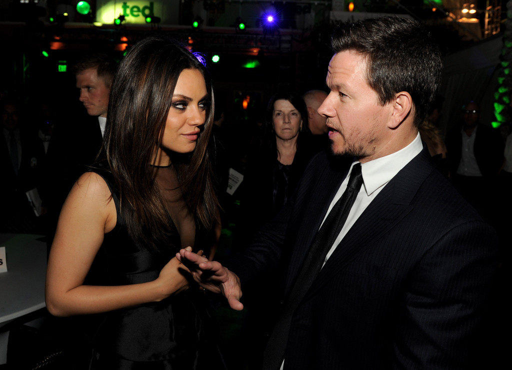 Mila kunis dating mark wahlberg