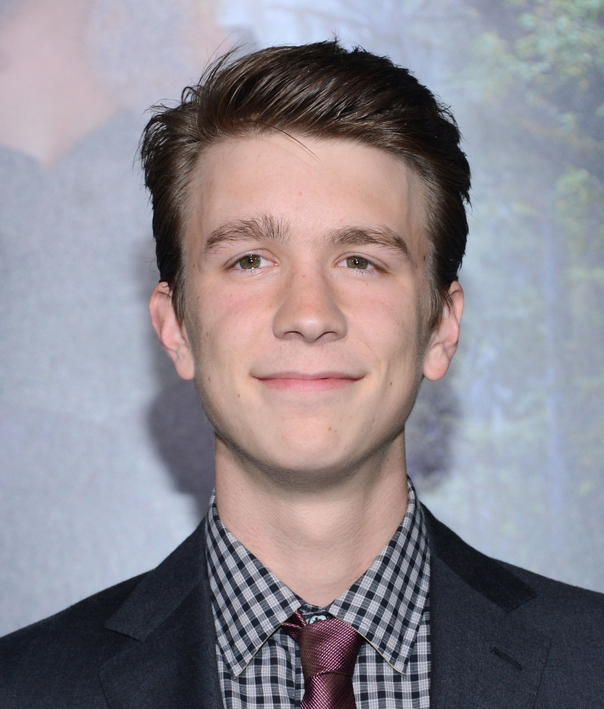 Who is Thomas Mann Dating Now - Girlfriends & Biography ()
