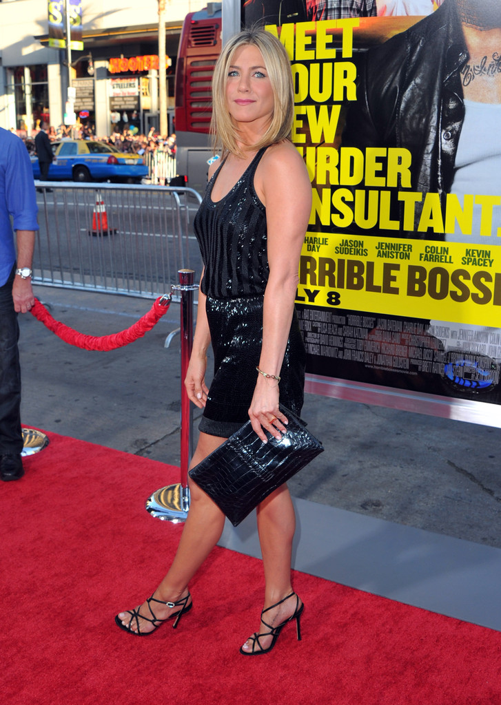 Actress Jennifer Aniston Arrives At The Premiere Of Warner