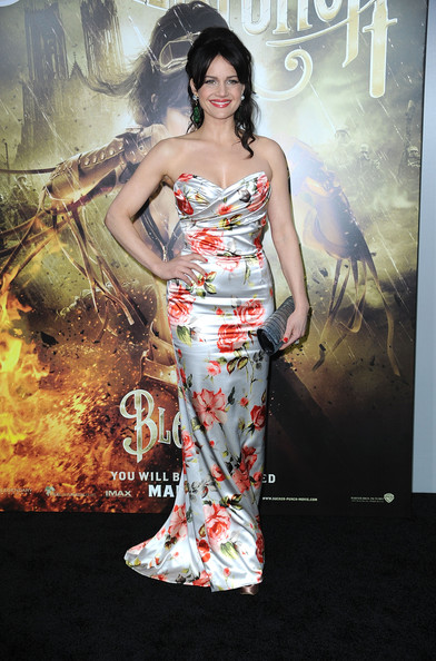 "Actress Carla Gugino arrives at the premiere of Warner Bros Pictures' ""Sucker Punch"" at Grauman's Chinese Theatre on March 23, 2011 in Hollywood, California. (Photo by Frazer Harrison/Getty Images) on March 23, 2011 in Los Angeles, California."