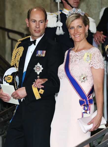 http://www3.pictures.zimbio.com/gi/Prince+Edward+Wedding+Princess+Madeleine+Christopher+WSDN8FvdbFul.jpg