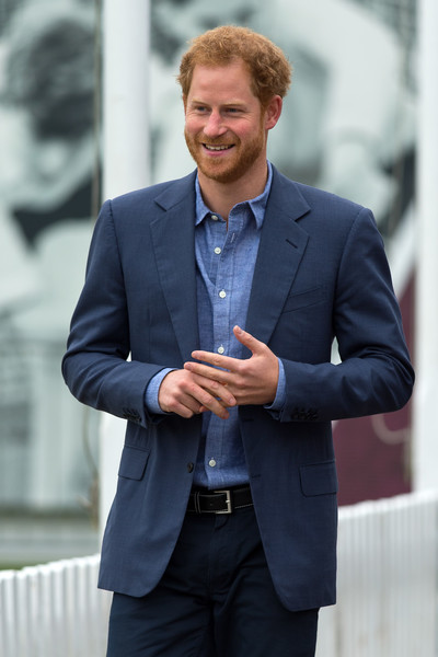 http://www3.pictures.zimbio.com/gi/Prince+Harry+Celebrates+Expansion+Coach+Core+AcTrG6x4xU1l.jpg