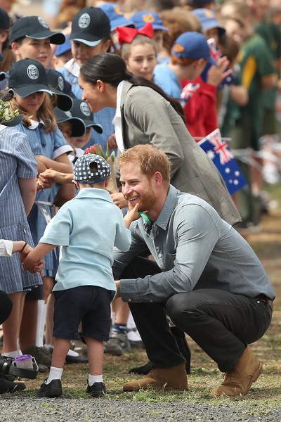 The Duke And Duchess Of Sussex Visit Australia - Day 2 [community,crowd,event,recreation,competition event,child,style,harry,children,australia,sussex,duchess,dubbo airport,cities,duke of sussex,duke and duchess of sussex visit,tour]