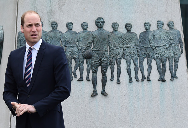 Prince+William+Prince+William+Attends+Lunch+85xcaWQP9QDl.jpg