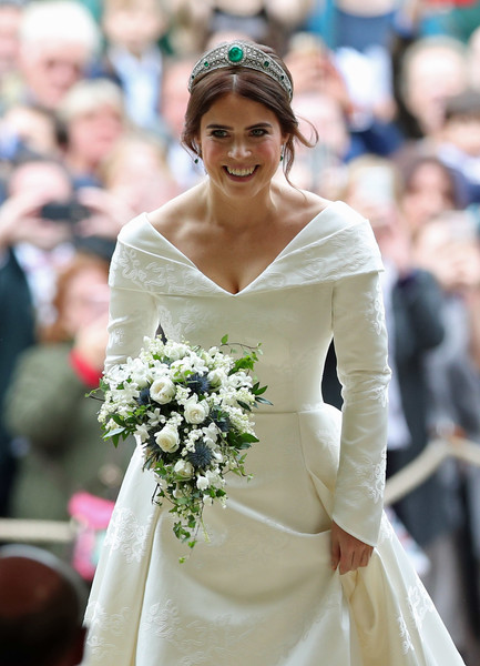 Princess Eugenie Of York Marries Mr. Jack Brooksbank [gown,flower,wedding dress,bridal clothing,woman,headpiece,hair accessory,bride,beauty,lady,flower bouquet,jack brooksbank,eugenie of york,princess,design,wedding dress,flower,windsor castle,wedding,wedding,floral design,wedding dress,wedding,flower bouquet,bride,socialite,religious veils,lady m confections co. ltd,design,flower]