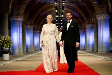 Princess Mette-Marit Queen Beatrix Hosts a Dinner Ahead of Her Abdication