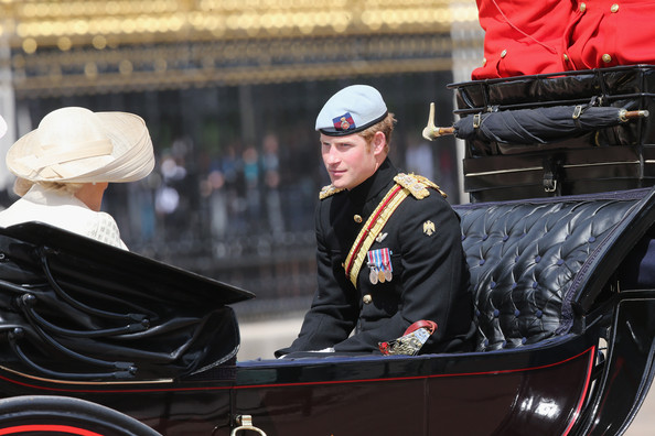 Trooping the Colour 2013. Queen+Elizabeth+II+Birthday+Parade+Trooping+AyJ4NEfi8oll