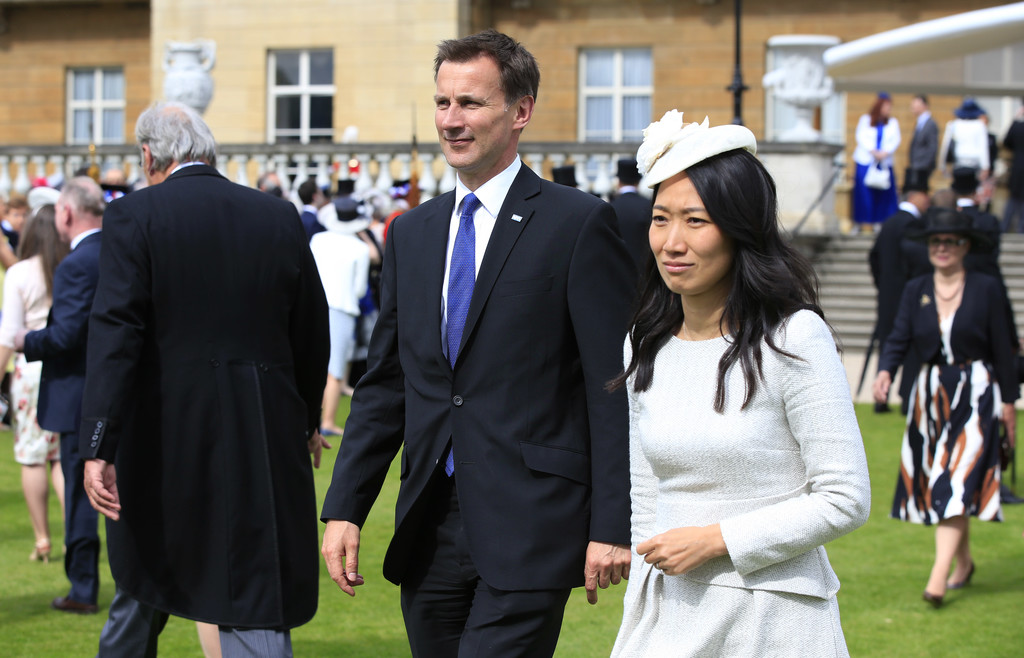 Jeremy Hunt Photos Photos Queen Elizabeth Ii Hosts Garden Party At