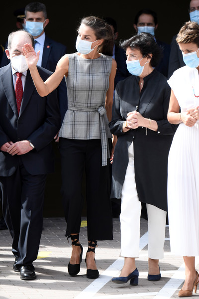 Queen Letizia Attends The Opening of The School Course 20-21 [fashion,event,dress,white-collar worker,performance,formal wear,eyewear,suit,fashion design,gesture,letizia,queen,mar\u00e3a chivite,letizia attends,spain,the school course,school,opening,opening,event,little black dress,shoe,outerwear,haute couture,carpet,socialite,tuxedo m.,clothing,event]