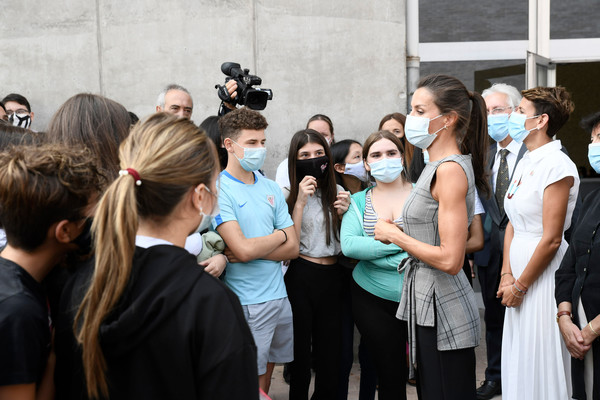 Queen Letizia Attends The Opening of The School Course 20-21 [event,youth,community,crowd,fashion,tourism,performance,photography,ceremony,team,letizia,queen,letizia attends,spain,the school course,school,groupm,opening,opening,event,groupm,social group,crowd,event,social]