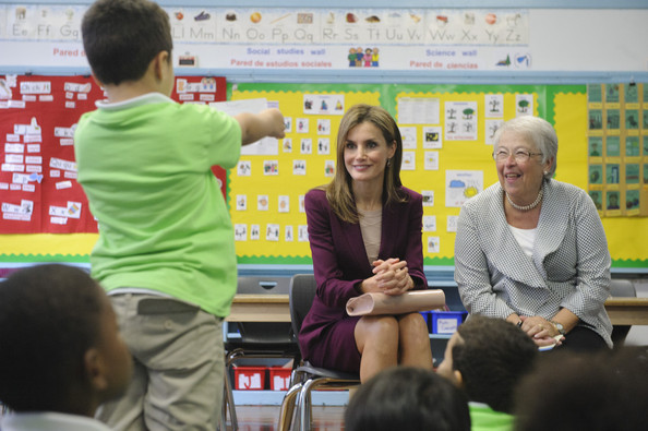 Her Majesty Queen Letizia of Spain (C)and New York City Schools Chancellor Carmen Fariña listen as Nassim Gomez, 6, a first-grader asks the queen a question during a visit to Dos Puentes Elementary School September 22, 2014 in New York City. Queen Letizia welcomed Dos Puentes Elementary as a member to the International Spanish Academies (ISA), a partnership with Spain to share resources and encourage bilingual education.