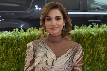Queen Rania 'Manus x Machina: Fashion in an Age of Technology' Costume Institute Gala