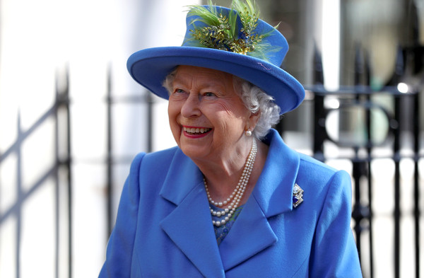 The Queen Visits Watergate House To Mark The Centenary Of Gchq Zimbio
