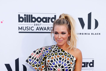 Rachel Platten 2017 Billboard Music Awards Presented by Virginia Black - Red Carpet