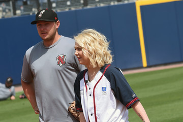 RaeLynn RaeLynn Joins the Nashville Sounds for Warm-Ups to Prep for the 2016 City of Hope Softball Game