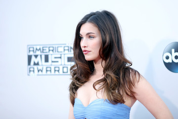 Rainey Qualley 2015 American Music Awards - Arrivals
