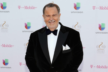 Raul De Molina Arrivals at the Premios Lo Nuestros Awards