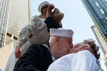 Ray Williams WWII Veterans Recreate Famous Kiss in Times Square Marking End of World War II