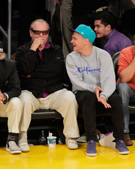Jack Nicholson Raymond Nicholson Raymond Nicholson Photos Celebrities At The Lakers Game Zimbio Jack nicholson didn't look pleased seeing his favorite team lose. jack nicholson raymond nicholson