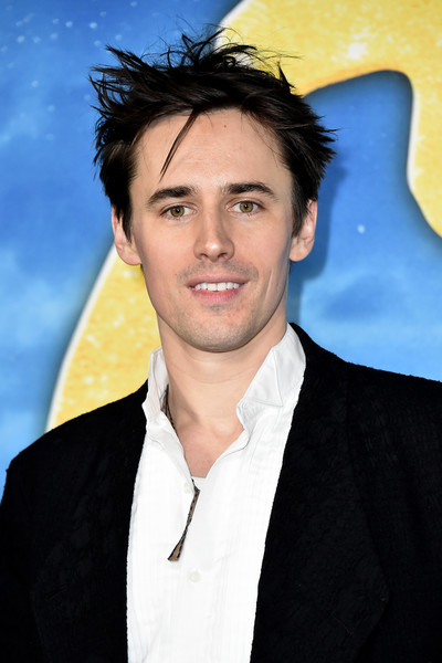 """""""Cats"""" World Premiere [cats,hair,forehead,hairstyle,eyebrow,chin,smile,jaw,black hair,premiere,white-collar worker,reeve carney,alice tully hall,new york city,lincoln center,cats world premiere,world premiere]"""