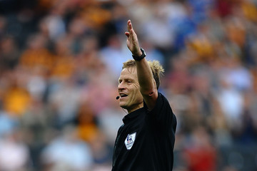 Referee Hull City v Norwich City - Premier League
