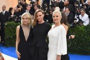 Kate Hudson and Stella McCartney Photos Photo
