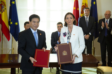 Reyes Maroto The Spanish Prime Minister Receives Chinese President Xi Jinping