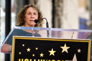 Rhea Perlman Lucy Liu Honored With Star On The Hollywood Walk Of Fame