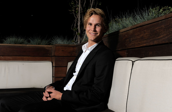 rhys wakefield home and away