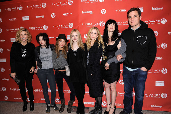 riley keough short hair. (L-R) Actress Tatum O#39;Neal, actress Kristen Stewart, actress Stella Maeve, actress Dakota Fanning, actress Riley Keough,