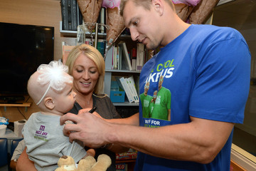 Rob Gronkowski Rob Gronkowski Delivers Treats and Smiles With One Mission at Boston Children's Hospital