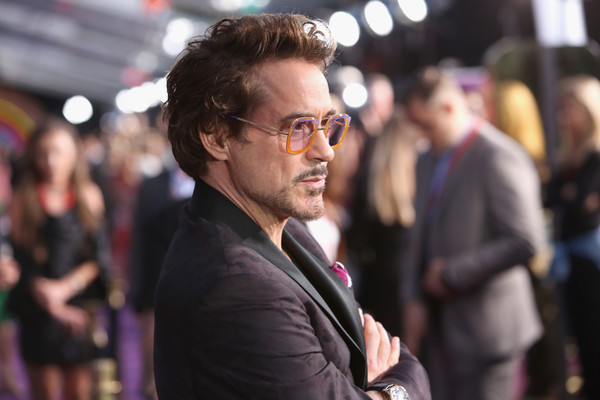 http://www3.pictures.zimbio.com/gi/Robert+Downey+Jr+Los+Angeles+Global+Premiere+u5of2EnOVWCl.jpg