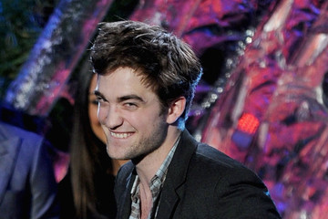 Robert Pattinson 2011 MTV Movie Awards - Show