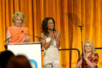 Robin Givens Inside the 13th Annual Women Who Care Event