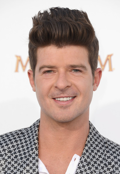 Robin Thicke - Images Colection