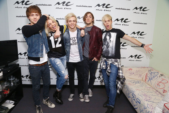 Rocky Lynch Photos Photos - R5 Visits Music Choice in NYC
