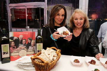 Rosanna Scotto Ronzoni's La Sagra Slices Event