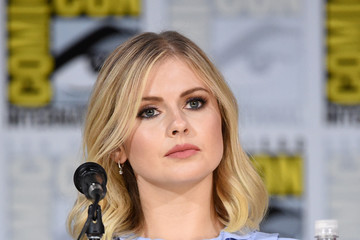 Rose McIver Comic-Con International 2017 -  'iZombie' Special Video Presentation