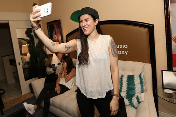 Rumer Willis Behind The Scenes Of The Getty Images Portrait Studio Powered By Samsung Galaxy At 2015 Summer TCA's