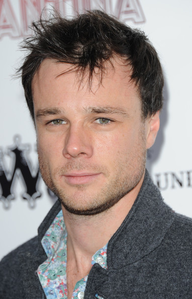 The 41-year old son of father (?) and mother(?), 178 cm tall Rupert Evans in 2018 photo
