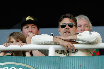 Russell Crowe NRL Elimination Final - Sharks v Rabbitohs