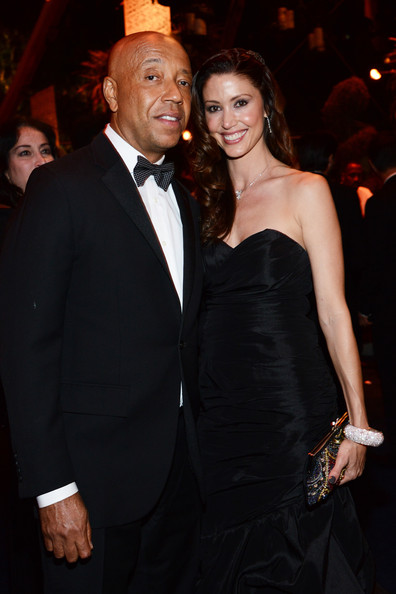 russell simmons dating shannon elizabeth Boyfriend / girlfriend: derek hough (2008-2009) and russell simmons (2014-0: shannon elizabeth is an america born actress for the film and television.