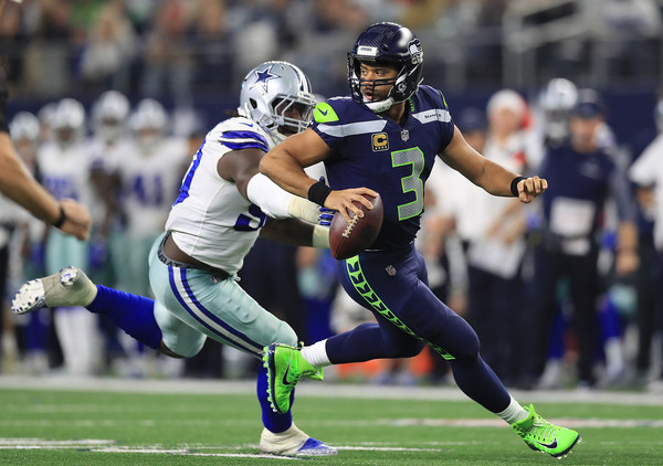http://www3.pictures.zimbio.com/gi/Russell+Wilson+Demarcus+Lawrence+Seattle+Seahawks+3ZKc-vLCLw9l.jpg